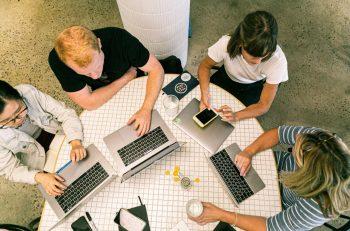 startups reestructurar